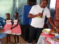 Dans le cadre de fête de noël Hope for kids without hope foundation a organisé des activités pour les enfants et a donné des cadeaux pour pouvoir aider les familles pauvres. Merci pour votre support et contribution.